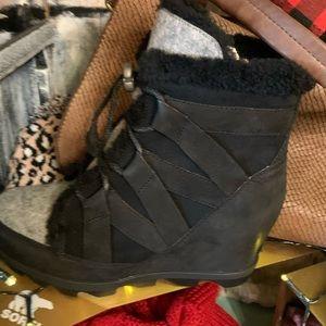 Sorel Cozy Black Boot